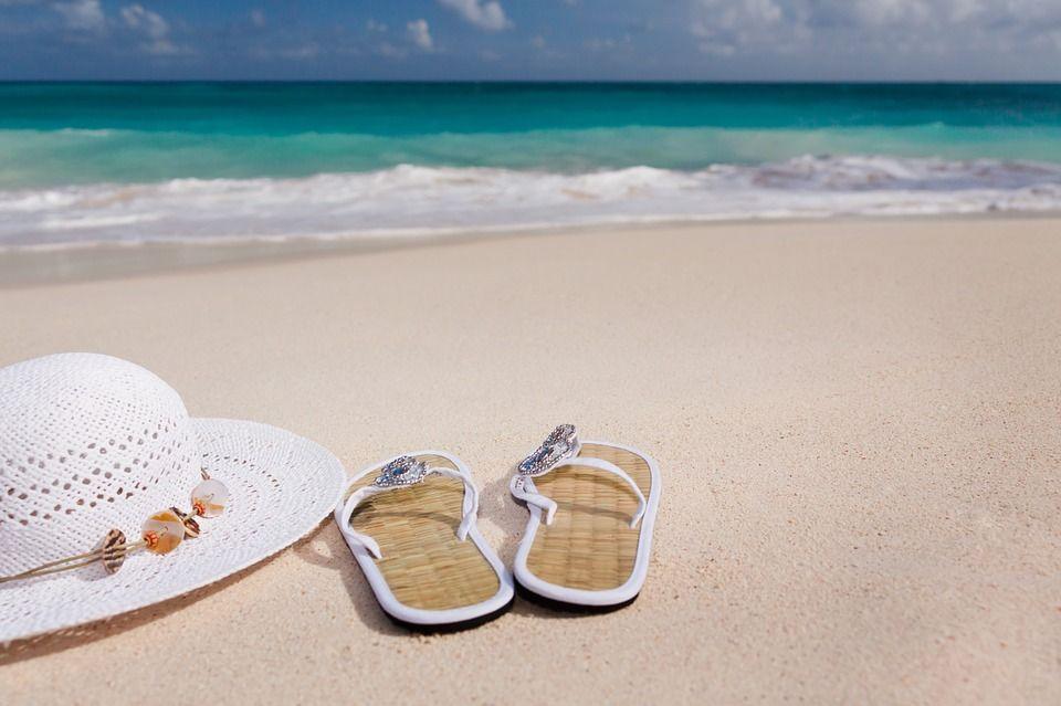 Naar het strand: Badpak of bikini