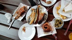 Gerookte vis aan Poolse kust