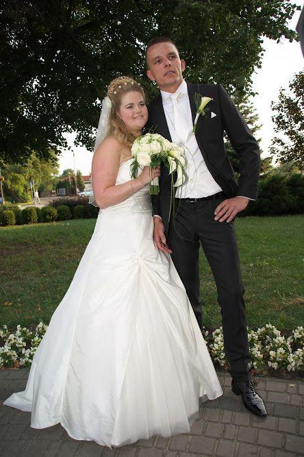 Poolse bruiloft felicitaties bij de kerk