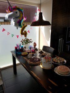 Nina 4 jaar hoera verjaardagstafel